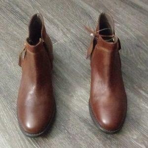 New Bella Vita Ankle Boots
